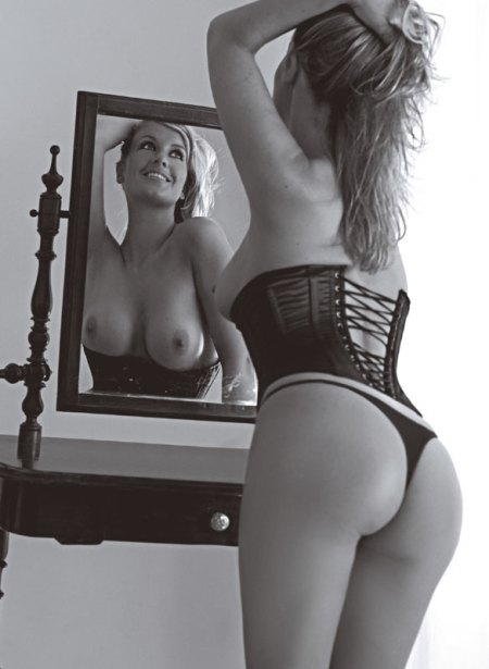 charlotte nackt fotos