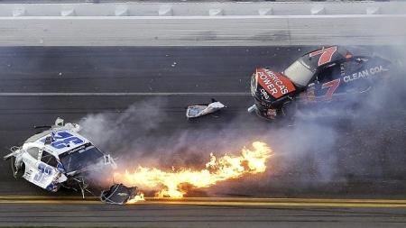 Horrorunfall bei Autorennen der Nascar-Serie