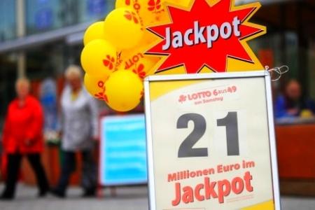 Lotto-Gewinner holte erst nach über zwei Wochen seinen Millionen-Jackpot ab