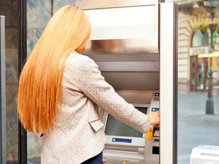 Bankkarte für Einsatz im Urlaub freischalten lassen
