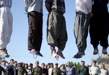 Wer gegen andere Todesurteile verhängt ist ein Mörder