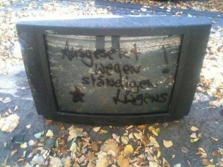 Herrenloser Fernseher