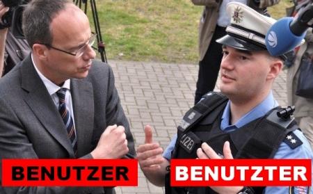 Polizei mit Minikameras