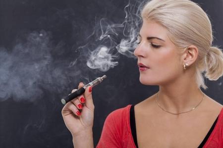 E-Zigarette - beliebt aber gefährlich