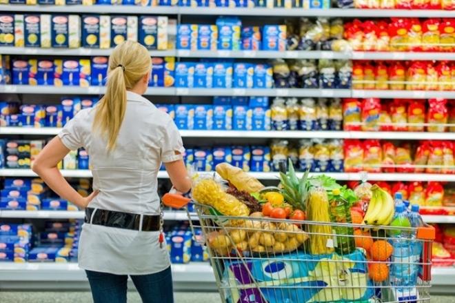 Alimentos embalados con excesivo plástico y pocos nutrientes