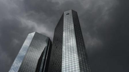 Dunkle Wolken - Banken senden Hilferuf an EZB-Chef