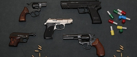 Selbstverteidigung gegen Scheinbeamte mit freien Waffen