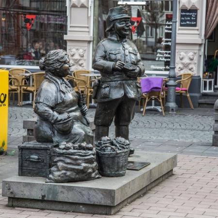 polizei-vom-schutzmann-zum-terroristen